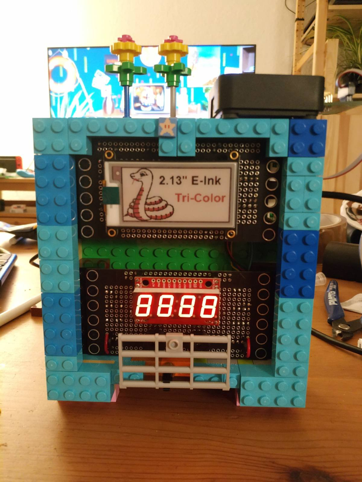 Sensor Clock in LEGO case